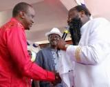 Avec 2 présidents Kenyans