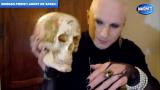 Pratique de nécromancie (culte des crânes)